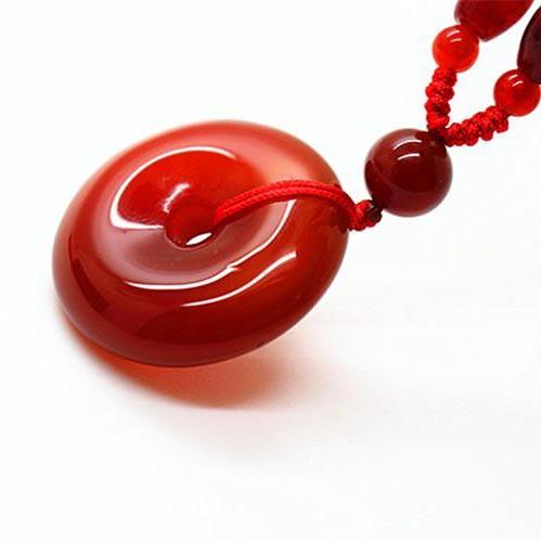 collier jade rouge